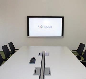 Touchmonitor für Besprechungszimmer